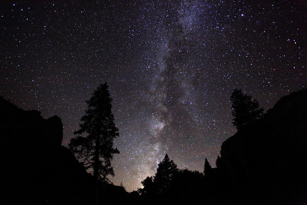 milky way over yosemite national park california